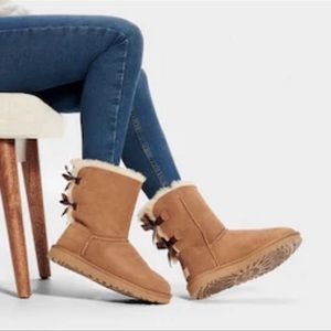 Ugg Bailey Bow II in chestnut color sz 8